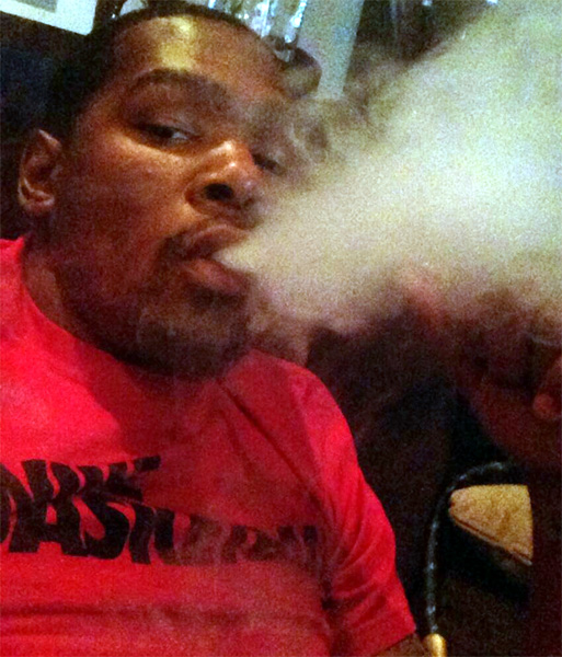 kevin-durant-smoking-1